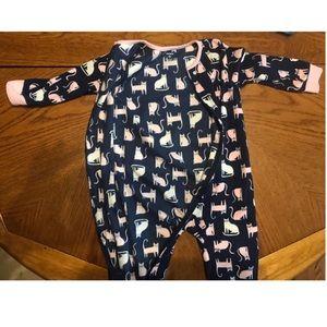 2 Carter's footie pajamas. Size 3t.